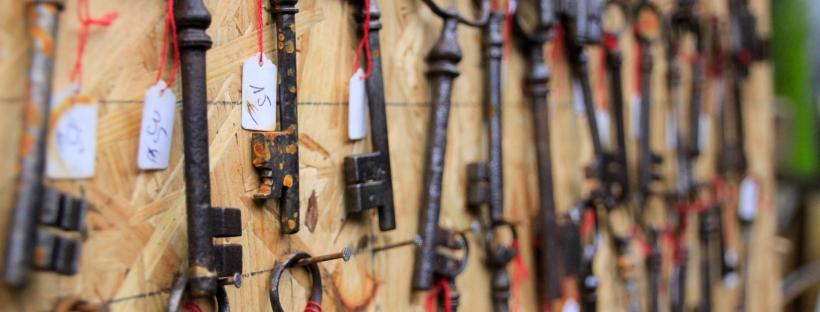 Connie Hanks Photography // ClickyChickCreates.com // Paris Flea Market - rusty vintage keys
