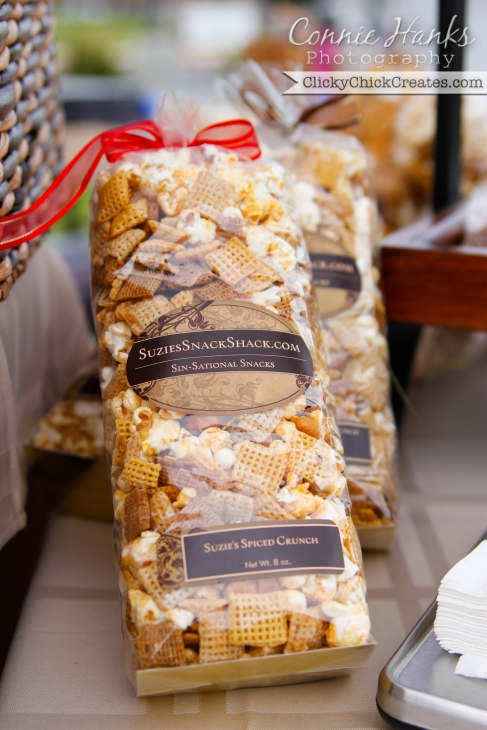 Connie Hanks Photography  //  ClickyChickCreates.com  //  Suzie's Snack Shack chex mix treat at farmer's market
