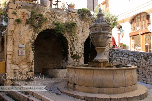 Connie Hanks Photography // ClickyChickCreates.com // arches in architecture, Saint Paul-de-Vence, Provence, France