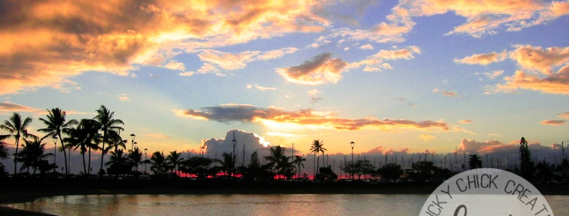 Connie Hanks Photography // ClickyChickCreates.com // horizon sunset photo in Oahu, Hawaii