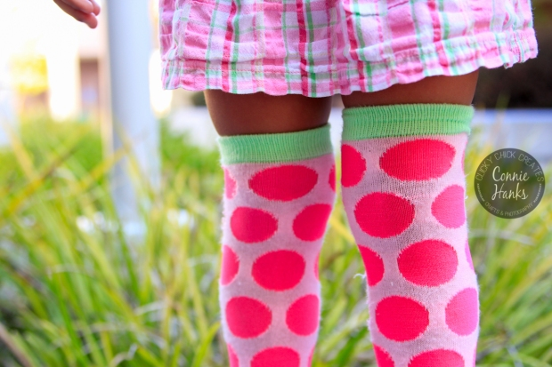 Connie Hanks Photography // ClickyChickCreates.com // pink, chubby, yummy knees