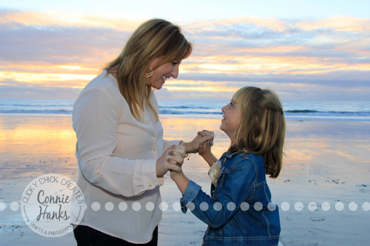 Connie Hanks Photography // ClickyChickCreates.com // family photos at the beach, mother and daughters