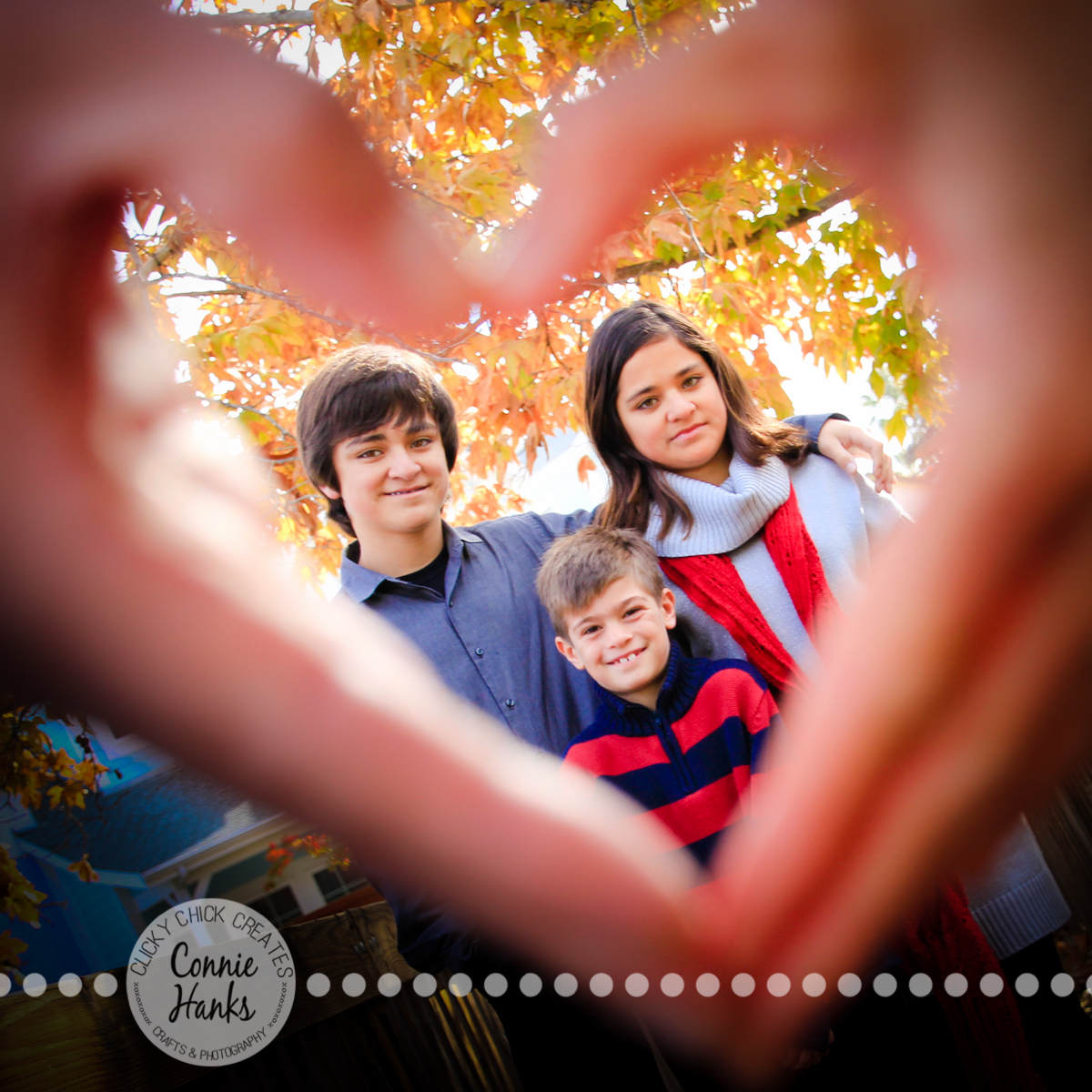 Connie Hanks Photography // ClickyChickCreates.com // family photos, rustic location, posh kids, heart hands