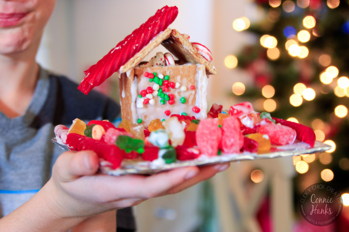 Connie Hanks Photography // ClickyChickCreates.com // Gingerbread house party at Style Your Life®