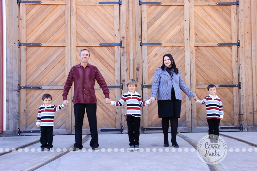 Connie Hanks Photography // ClickyChickCreates.com // M family sneak peek, trains, 3 boys, wreath, Christmas, family photos