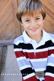 Connie Hanks Photography // ClickyChickCreates.com // M family sneak peek, trains, 3 boys, wreath, Christmas, family photos