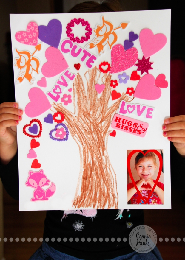 Connie Hanks Photography // ClickyChickCreates.com // Valentine's Day craft for kids, hand tracing, stickers, heart hands, heart photo