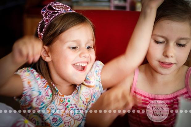 Connie Hanks Photography // ClickyChickCreates.com // Happy birthday princess opening presents