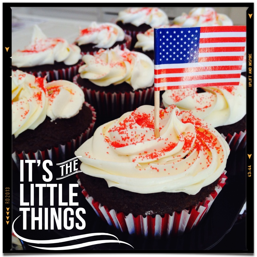 Connie Hanks Photography // ClickyChickCreates.com // Cupcakes with American Flag, Happy Labor Day!