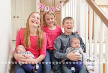 Connie Hanks Photography // ClickyChickCreates.com // C kids Christmas family photography 2014