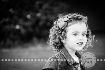 Connie Hanks Photography // ClickyChickCreates.com // Family photography, mom, dad, daughter, little girl, curls, San Diego, I Family, Balboa Park, arches, park