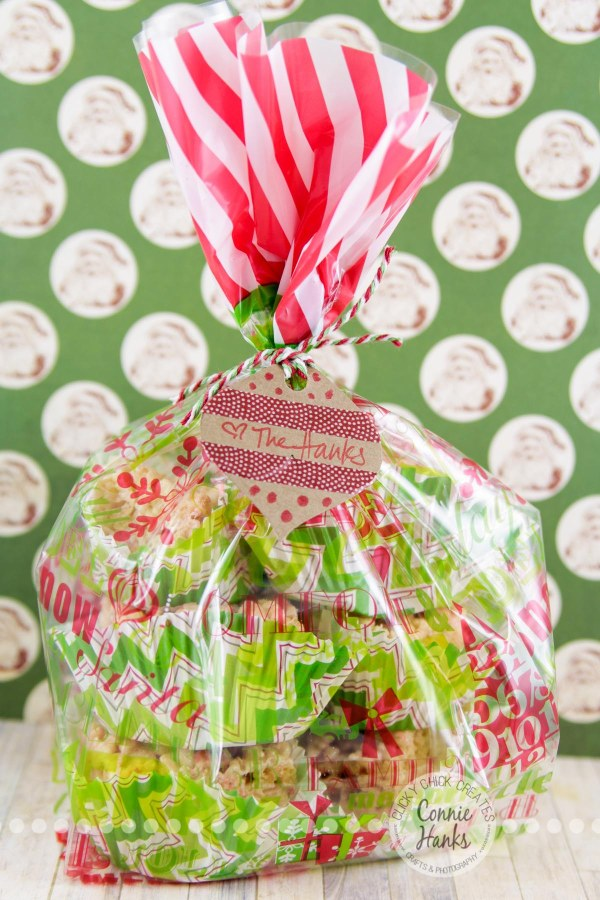 Connie Hanks Photography // ClickyChickCreates.com // Rice Krispies treats with Hershey Candy Cane Kisses, Christmas, ornament, gift tag, DIY, quick, easy, hostess gift