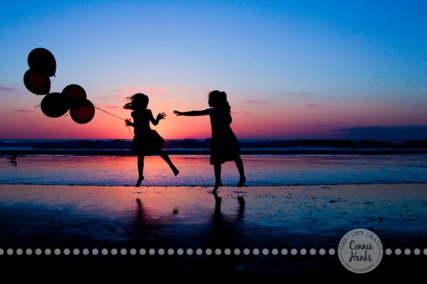 Connie Hanks Photography // ClickyChickCreates.com // Beach Silhouettes with Balloons