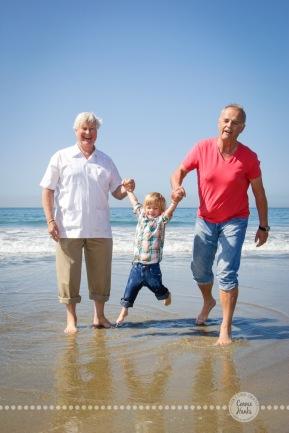 Connie Hanks Photography // ClickyChickCreates.com // multi-generation family on beach in Coronado Island