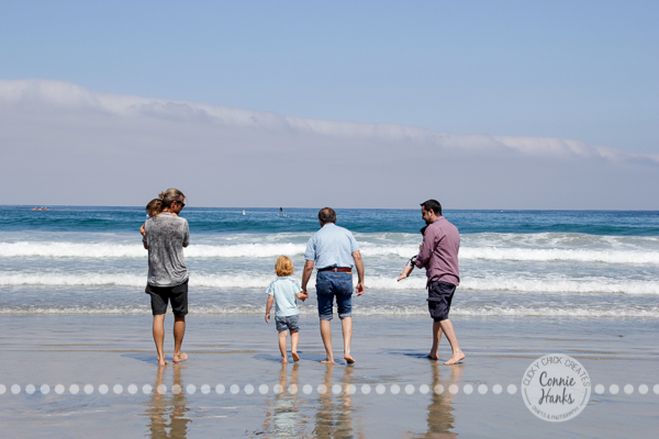 Connie Hanks Photography // ClickyChickCreates.com // San Diego family photo session, beach family photos, multi-generational, extended family, large family