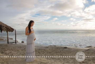Connie Hanks Photography // ClickyChickCreates.com // San Diego maternity photo session, beach maternity photos,