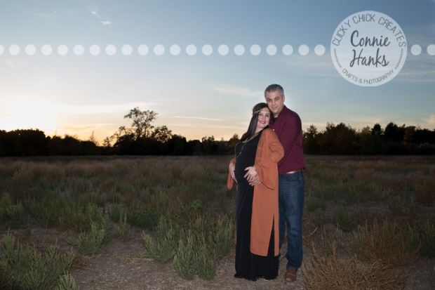 Connie Hanks Photography // ClickyChickCreates.com // maternity photos, belly photos, San Diego maternity photography, pregnancy photo session, maternity photography, nature, rustic, field, woodsy, wooded, Los Penasquitos Canyon Preserve