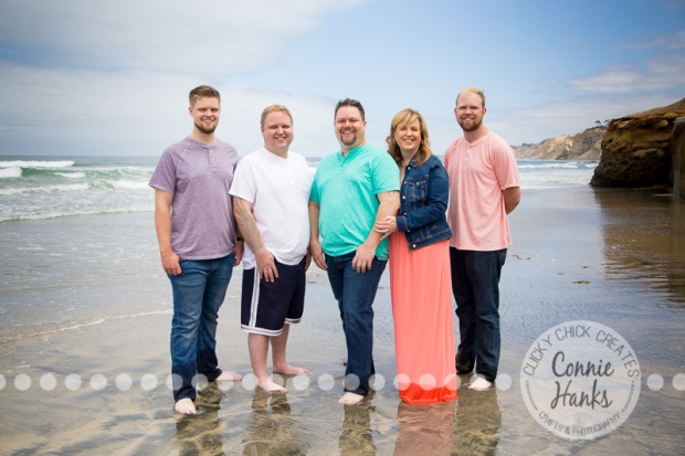 Connie Hanks Photography // ClickyChickCreates.com // La Jolla family photos, San Diego family photography, family photo session, siblings, La Jolla, Scripps Pier