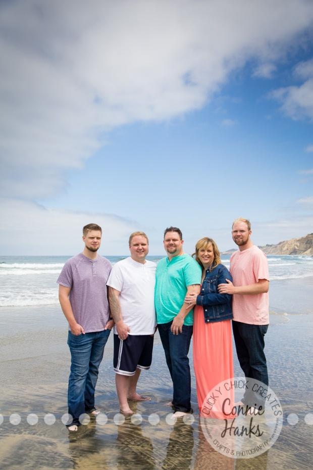 Connie Hanks Photography // ClickyChickCreates.com // La Jolla family photos, San Diego family photography, family photo session, siblings, La Jolla, Scripps Pier
